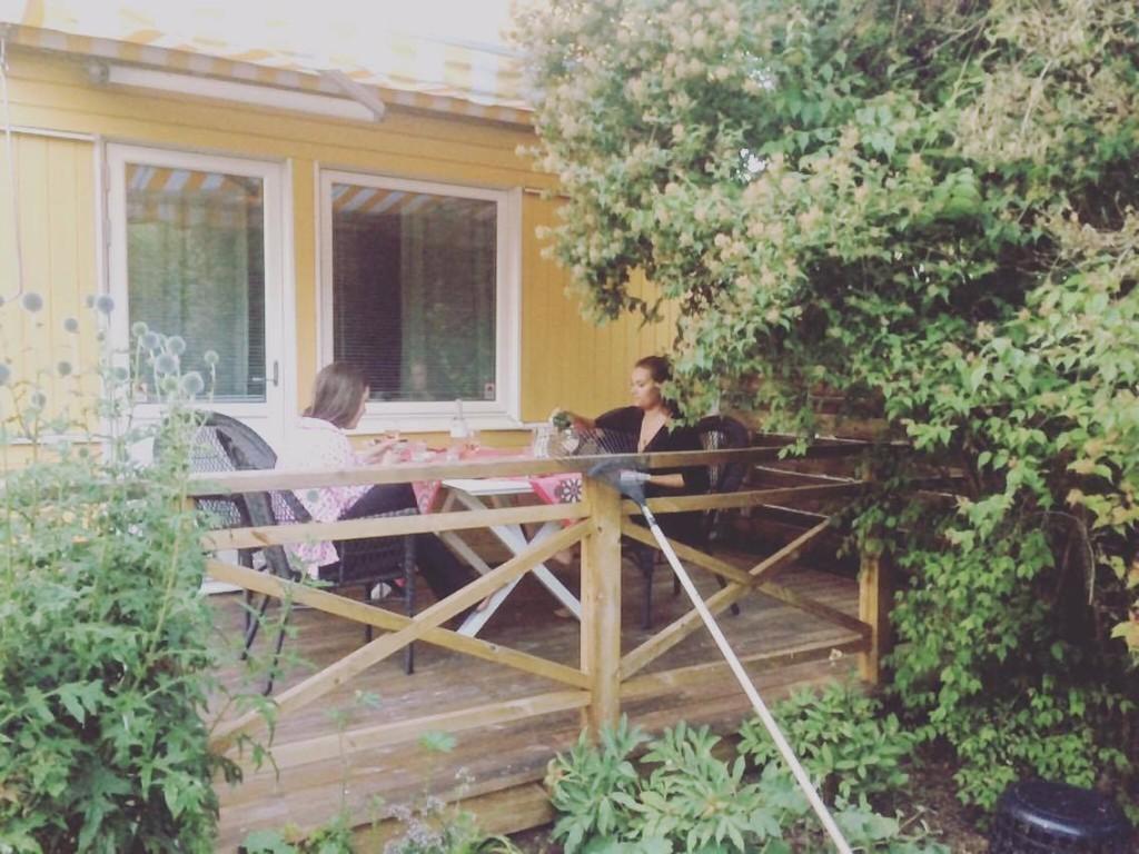 Middag pa en altan i Tullinge